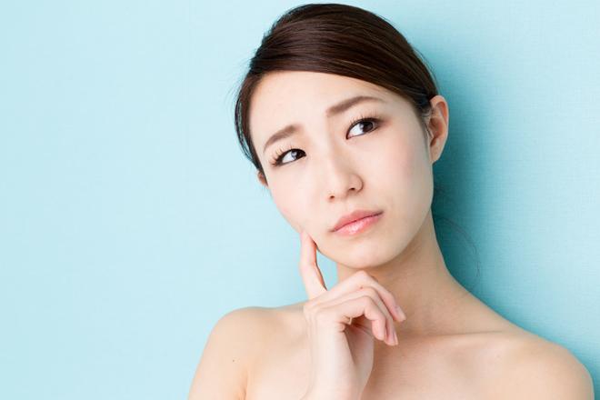 肌の赤みやヒリヒリ。敏感肌を引き起こす10個の原因と適切なケア