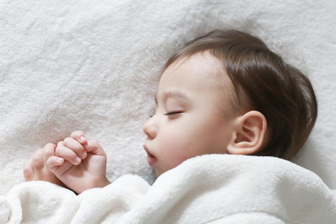 なかなか寝付けない赤ちゃんの上手な4つのあやし方