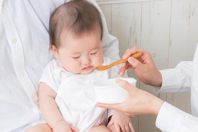 なかなか食べてくれない子供に離乳食を食べてもらうための方法とは?