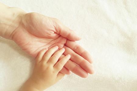 新生児ニキビや乳児脂漏性湿疹の対策