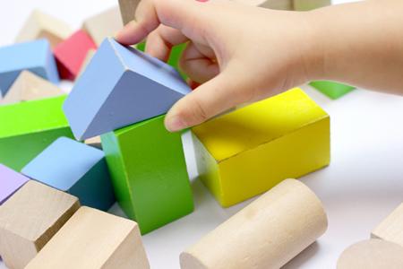 積み木の色と形について