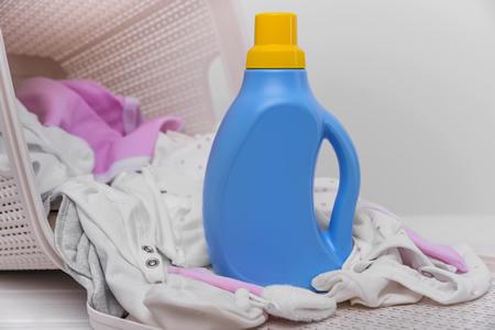 洗剤の成分が洗濯後の肌着やタオルに残ることも!?