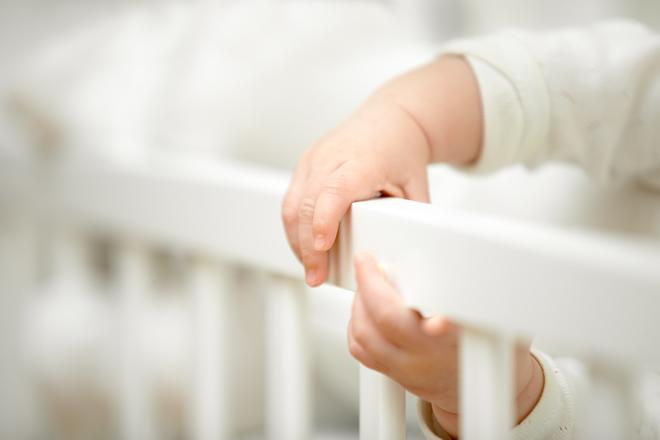 赤ちゃんの安全対策は柵で行う?ベビーサークル?選び方について